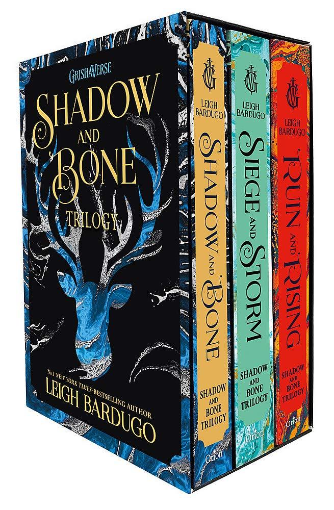 Shadow and Bone Box Set (promoție în limita stocului disponibil)